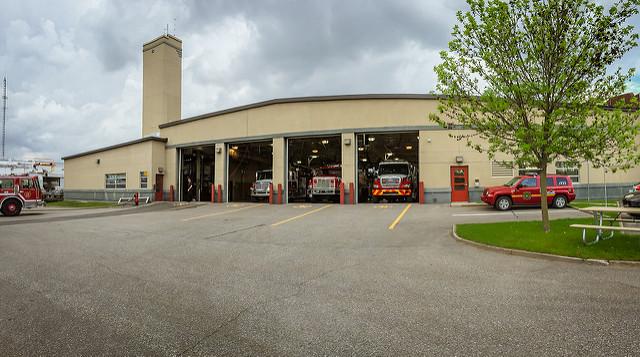 Arrière du poste de pompiers Fernard-Giguère de Victoriaville