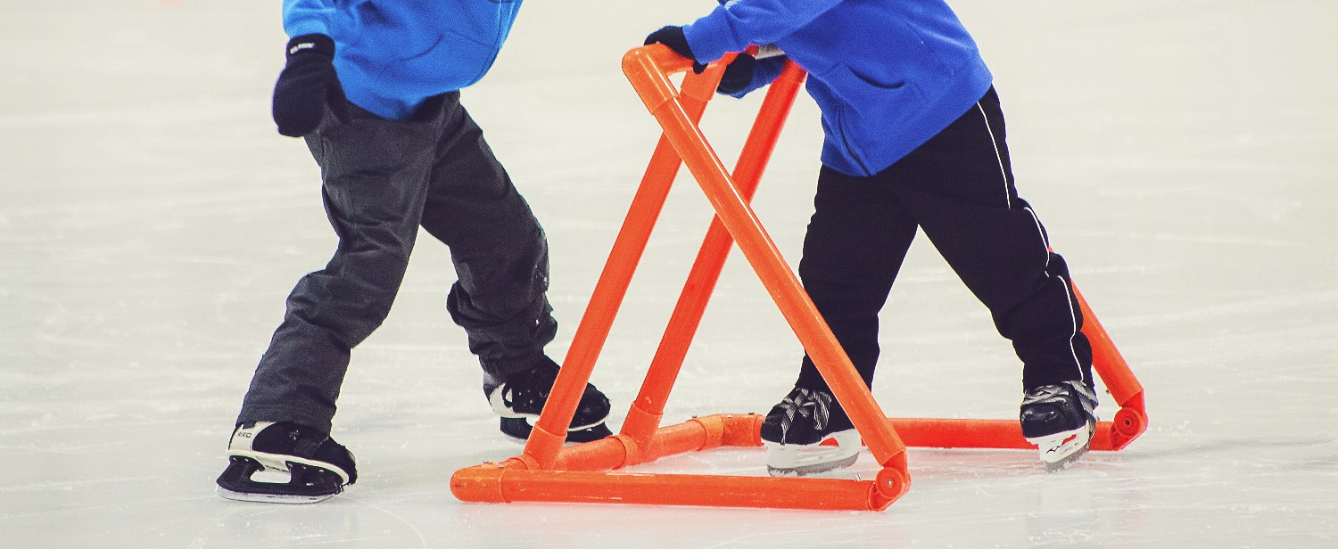 Jeunes patineurs au Complexe sportif Sani Marc