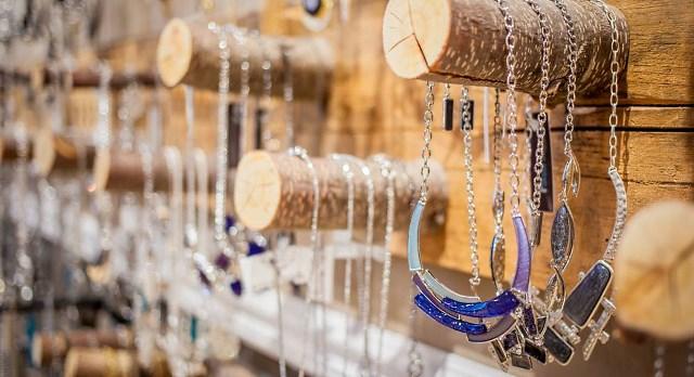 Boutique Atours du monde du Quartier Notre-Dame, au centre-ville de Victoriaville
