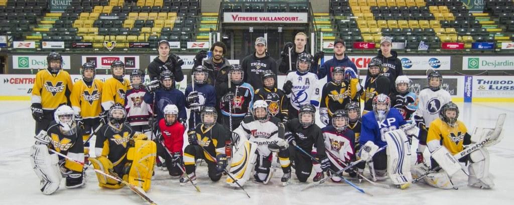 École de hockey au Colisée Desjardins de Victoriaville