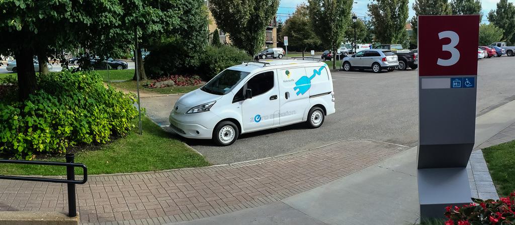 Un véhicule électrique en première canadienne à l'essai à Victoriaville