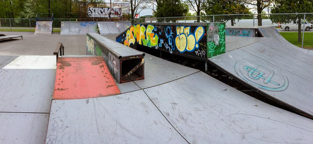 Le skate parc extérieur fait peau neuve