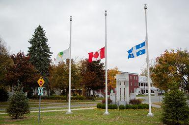Orlando: Victoriaville est en deuil et place ses drapeaux en berne