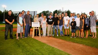 Victoriaville inaugure le Stade de baseball Rémi Deshaies