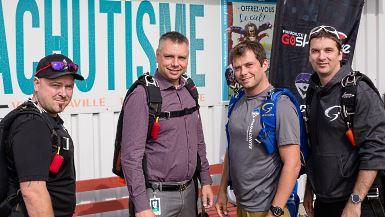 Parachutisme Adrénaline débarque à l'aéroport régional André-Fortin