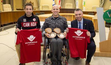 La Ville de Victoriaville honore deux athlètes paralympiens
