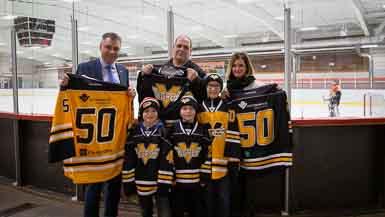La Ville de Victoriaville et la Caisse Desjardins des Bois-Francs soutiennent le hockey mineur