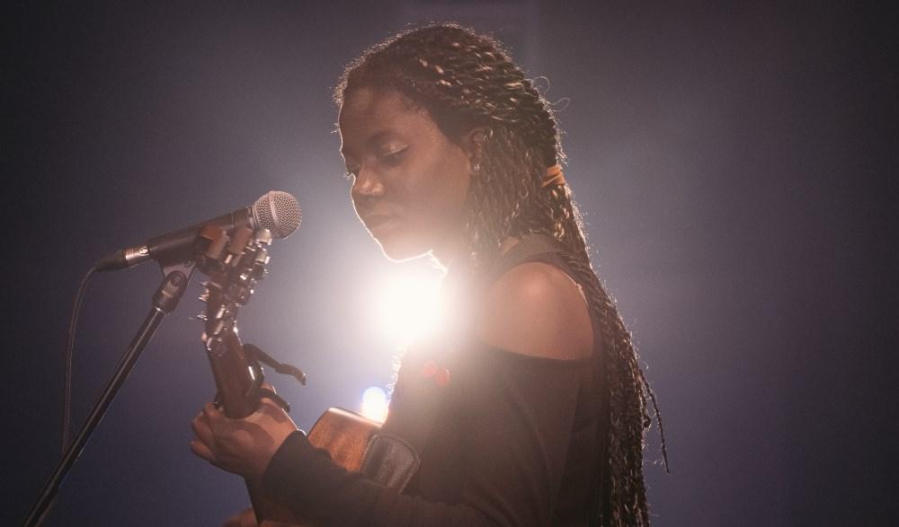 Mejeena Aristide, l'une des 5 artistes récipiendaires des Rendez-vous de la relève 2016.