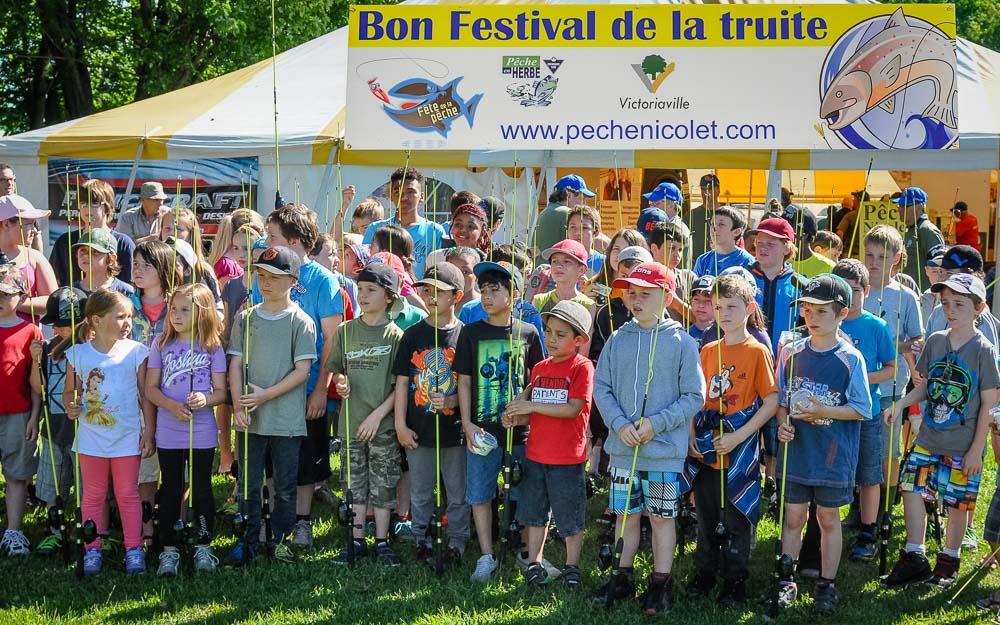 Pêche Nicolet et la Fondation de la faune du Québec initient 200 jeunes à la pêche sportive