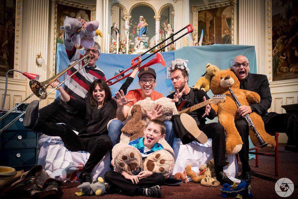 Dans le cadre de la Journée mondiale de l'enfance, les gens sont invités à assister en famille au spectacle La vie est musique qui aura lieu au Carré 150 le dimanche 12 novembre à 15h.