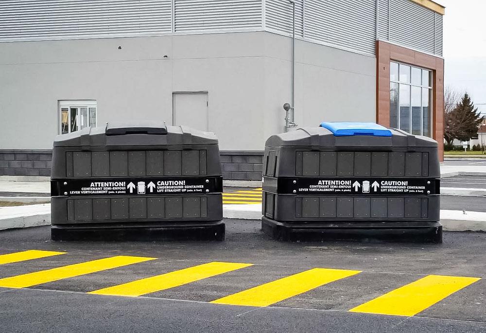 De nouveaux bacs semi-enfouis favoriseront bientôt le compost et la récupération au centre-ville de Victoriaville. Crédit photo: Durabac (http://www.durabac.net)