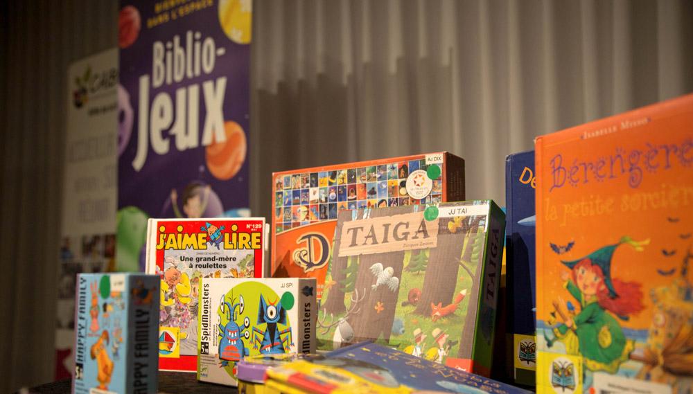 Les bibliothèques de Victoriaville offrent le programme Biblio-Jeux. Dès le 24 février prochain, une série de douze ateliers gratuits seront offerts en présence d'une orthophoniste et d'une intervenante du CAIBF afin d'aider au développement du langage des enfants et des nouveaux arrivants.